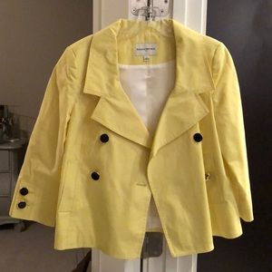 Short yellow blazer